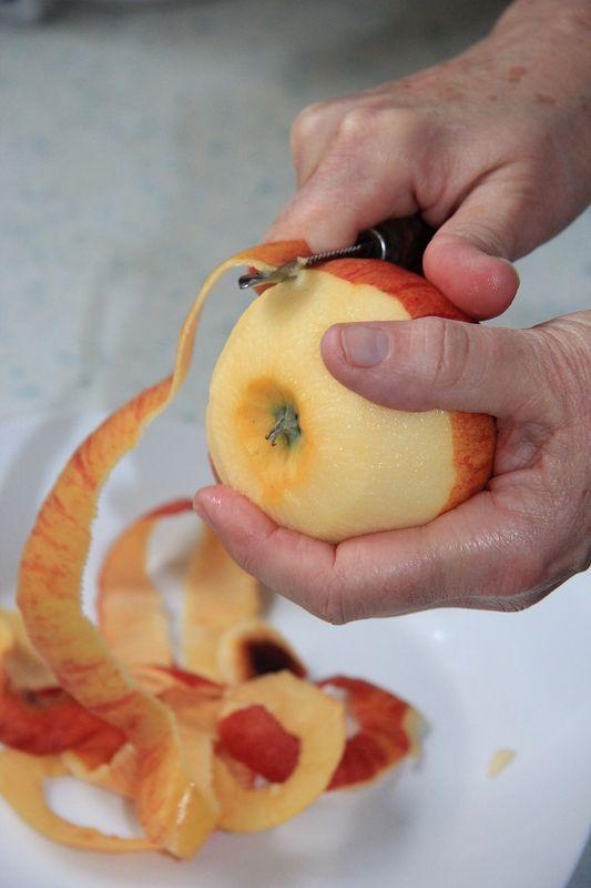 peel an apple